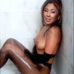 Анита Цой выложила в Интернет свой снимок с голой грудью